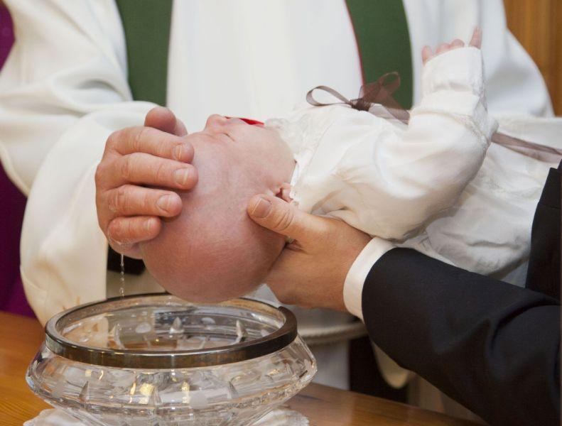 bautismo-nino-pequeno